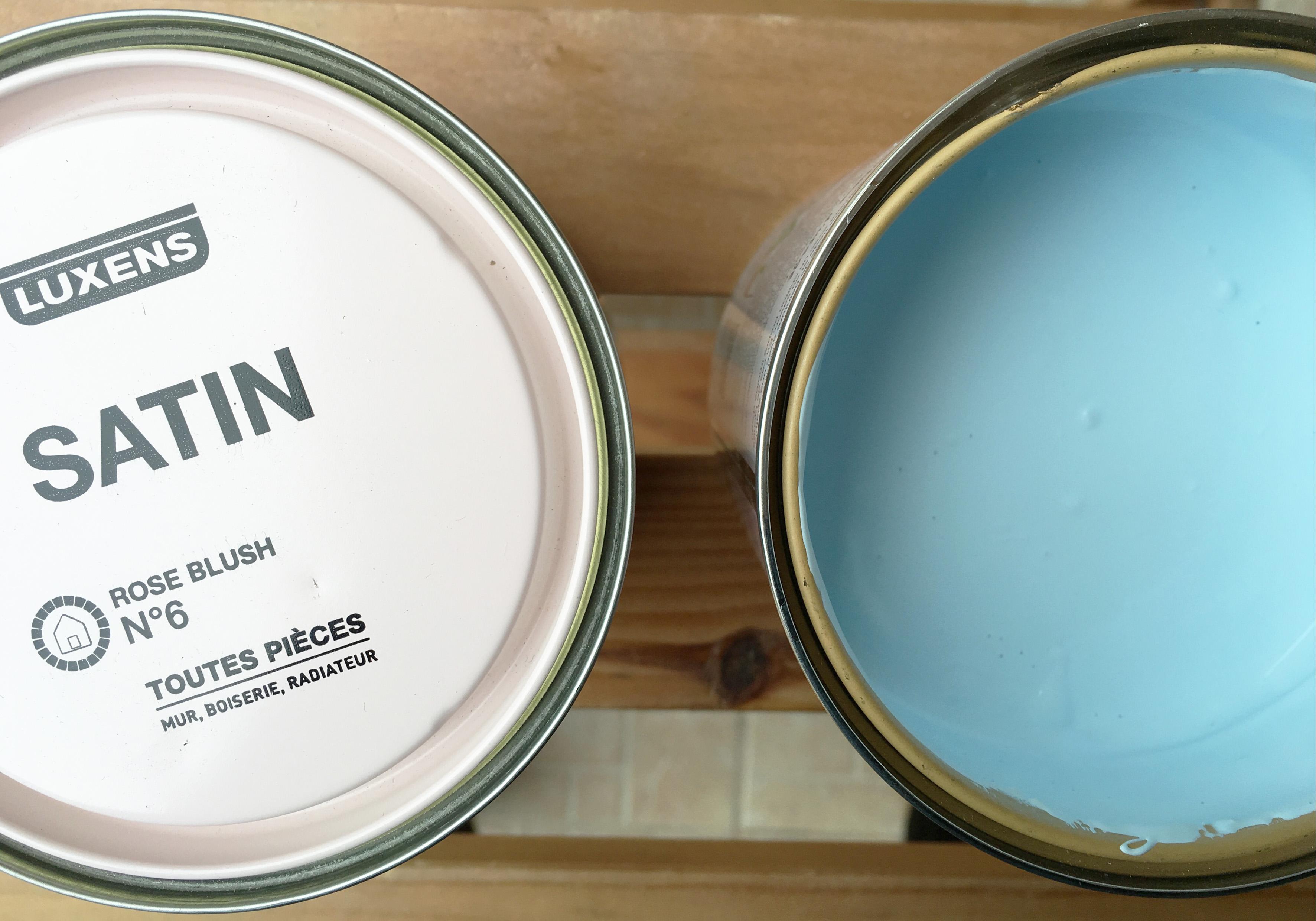 Restauration de mobilier chaise bistrot l'Atelier d'Elisa pot de peinture