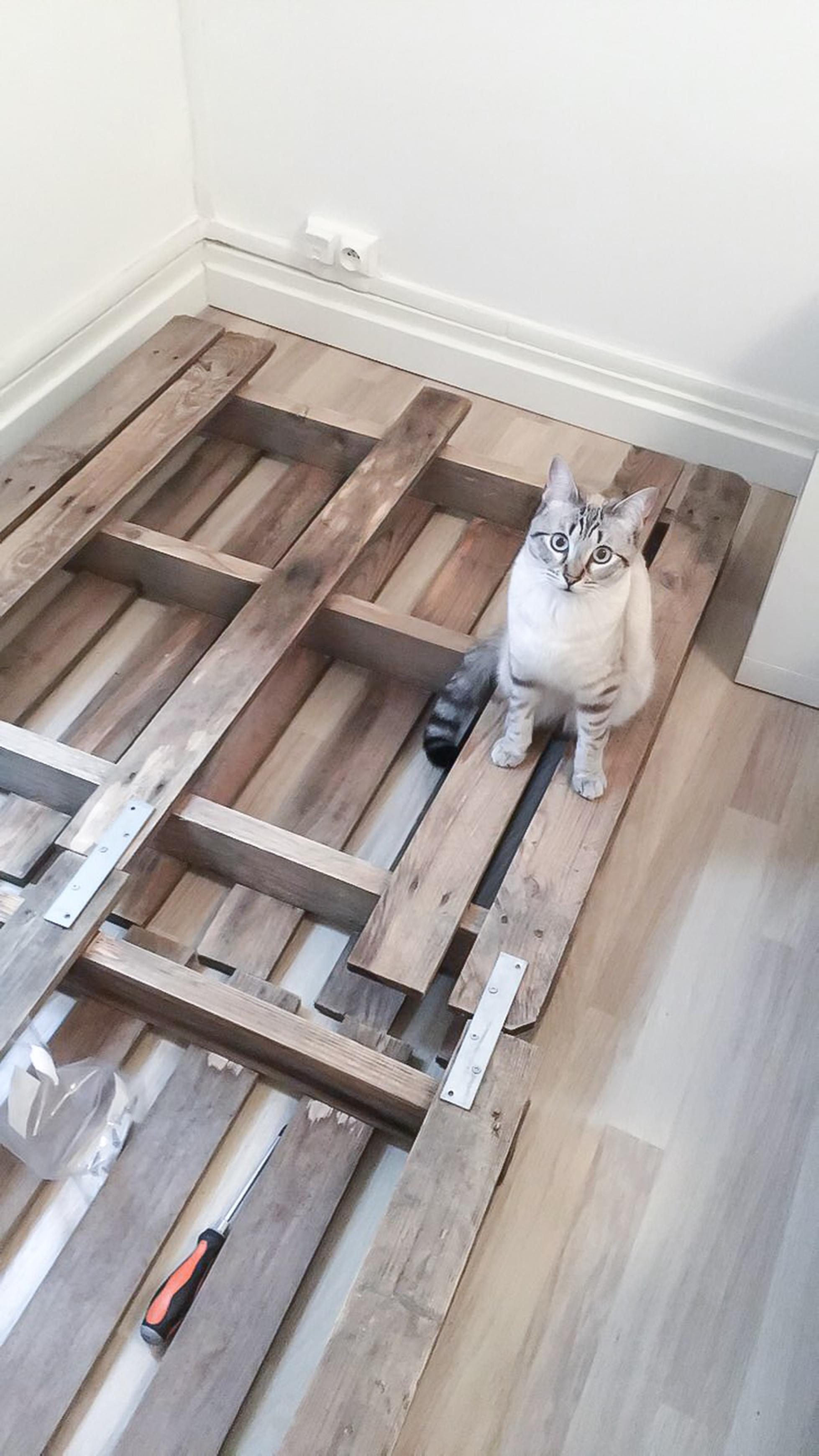 DIY tête de lit palette-18